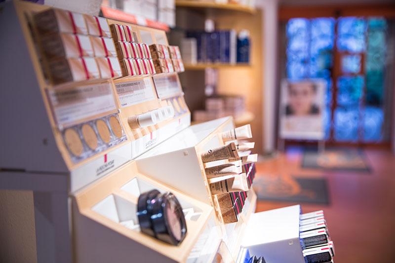 Alte Kronen Apotheke Kosmetikabteilung